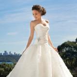 suknia ślubna Sophia Tolli z aplikacją marszczona