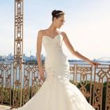 suknia ślubna Sophia Tolli z aplikacją z dekoltem w kształcie serca