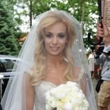 Suknia ślubna z długim welonem Lazaro