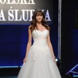 suknia ślubna z koronką z dekoltem w kształcie serca Dorota Czaja  - Polska Gala Ślubna