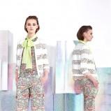 sweterek Just Cavalli w kolorze białym - trendy na wiosnę i lato 2014