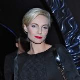 Sylwia Gliwa w krótkich blond włosach