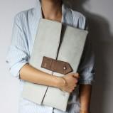 szara kopertówka Zuzia Górska - moda zimowa
