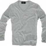 szary sweter Pull and Bear - trendy wiosna-lato