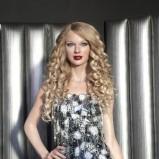 Taylor Swift - fryzury i makijaże wieczorowe gwiazd