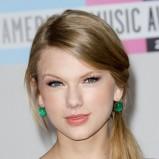 Taylor Swift - Makijaże gwiazd - inspiracje karnawałowe