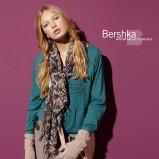turkusowa bluzka Bershka - moda jesień/zima 2010