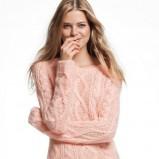 uoczy sweterek H&M w kolorze jasnoróżowym  - modne sweterki