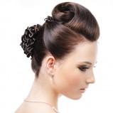 Upięcie ślubne z zawijanych włosów