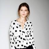 urocza koszula ZARA w grochy - propozycje na zimę
