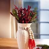 Uroczy wazon w ocieplaczu  - dekorujemy dom na święta