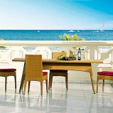 Urzekający stolik jadalny do ogrodu lub na taras -design 2013