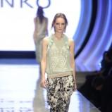 wygodne spodnie Pinko w kwiaty - wiosna 2013