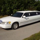 WYNAJEM LIMUZYN LINCOLN TOWN CAR ! Luxury Cars sp. z o.o.