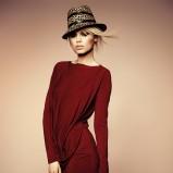 z długim rękawem sukienka Deni Cler w kolorze bordowym - jesień-zima 2012/2013