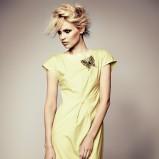 z krótkim rękawem sukienka Deni Cler w kolorze żółtym - jesień-zima 2012/2013