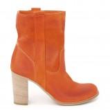zamszowe botki Venezia w kolorze pomarańczowym - kolekcja obuwia na wiosnę 2013