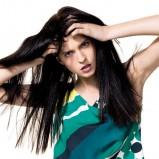 zielona bluzka Benetton w grochy - kolekcja wiosenna