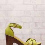 zielone sandały Stradivarius - z letniej kolekcji 2012