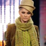 zielony szalik Benetton długie - jesień/zima 2011/2012