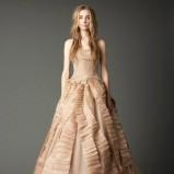 zjawiskowa  beżowa suknia ślubna rozkloszowana Vera Wang   jesień 2012