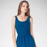 zjawiskowa rozkloszowana sukienka Stradivarius w kolorze niebieskim - sukienki 2012/13