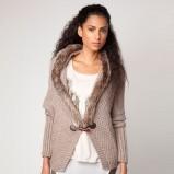 zjawiskowy sweter Bershka z futerkiem  - moda damska 2012/13