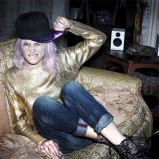 złoty sweter Terranova - moda 2013