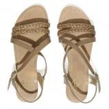 żółte sandałki płaskie - modne latem 2013