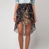 zwiewna asymetryczna spódnica Bershka w kwiaty - kolekcja damska na jesień i zimę
