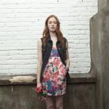 zwiewna sukienka Levis w kwiaty - wiosna i lato 2013