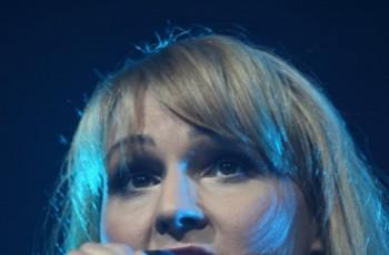 Agnieszka Chylińska w blond włosach