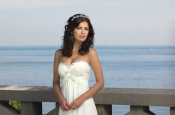 Modne suknie ślubne Mon Cheri 2011/2012