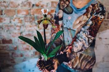 Oddycha zielonym i zielonym �yje. Pani Kwiatkowska - nie kwiaciarka. Florystka
