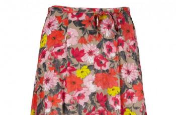 Spódnice w kwiaty- hit na wiosnę i lato 2012