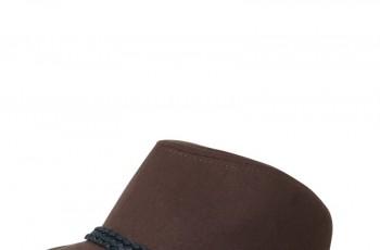 Stradivarius - kolekcja modnych dodatków na jesień/zimę 2010/2011