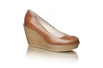 Vagabond - buty damskie na koturnie sezon wiosna - lato 2012