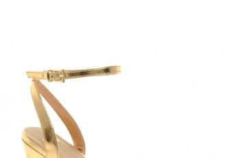 Złote buty na sylwestra, karnawał i studniówkę