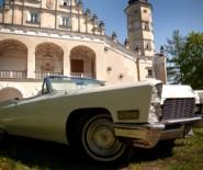 Auto do ślubu Cadillac De Ville 68'