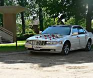 auto do ślubu Cadillac Seville STS V8 biała perła