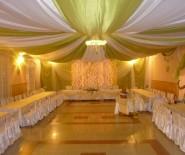 Dekoracje ślubne weselne sali sal kościoła
