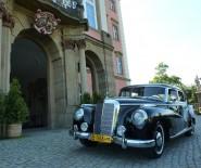 Limuzyna Mercedes Benz Adenauer do ślubu i na wesele