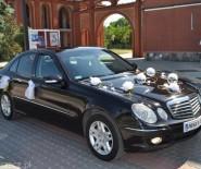 Mercedes E i BMW 5 do slubu