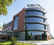 RUBEN HOTEL****