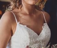 Suknia ślubna Lillian West 6395