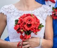 Suknia Ślubna, lit.A, wycięte plecy, koronka wenecka