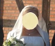Suknia ślubna z welonem, bolerkiem, biżuterią i krawatem