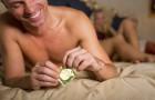 Nowy szokujący trend: zdejmowanie prezerwatywy w trakcie seksu tak, by? kobieta tego nie zauważyła