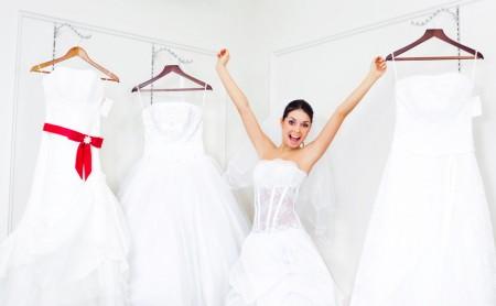 Suknia ślubna - kupić czy wypożyczyć?