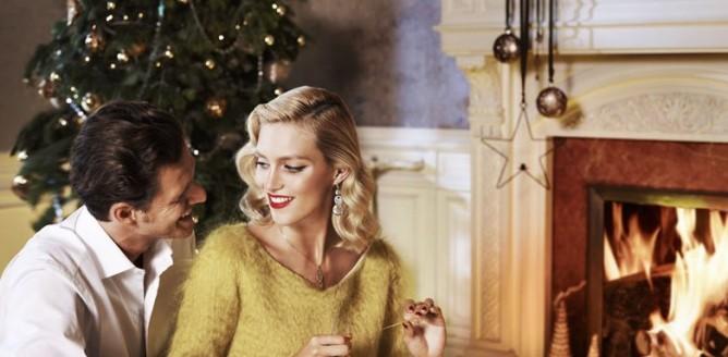 Anja Rubik i Sasha Knezevic dla Apart Holiday 2012